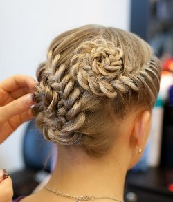 """Плетение кос в салоне красоты """"Контраст"""""""