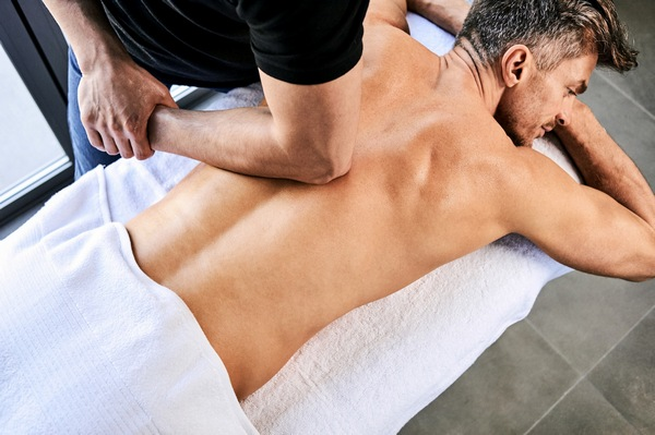 массаж спины до тренировки